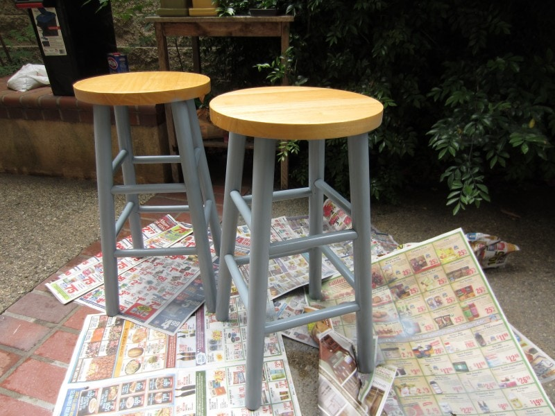 Trash to Treasure Upcycled Bar Stools DIY Inspired : Spray painted with metallic silver from www.diyinspired.com size 800 x 600 jpeg 140kB