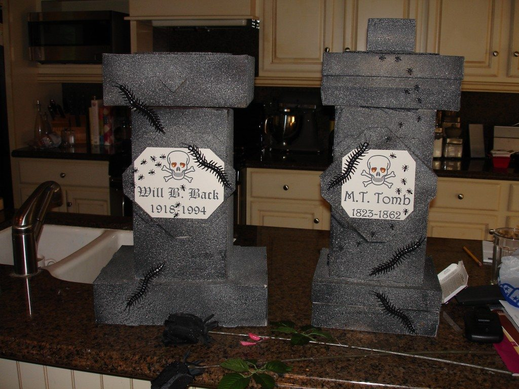 diy halloween decorations diy tombstones floating tarot cards haunted pictures and insane - Homemade Halloween Centerpieces