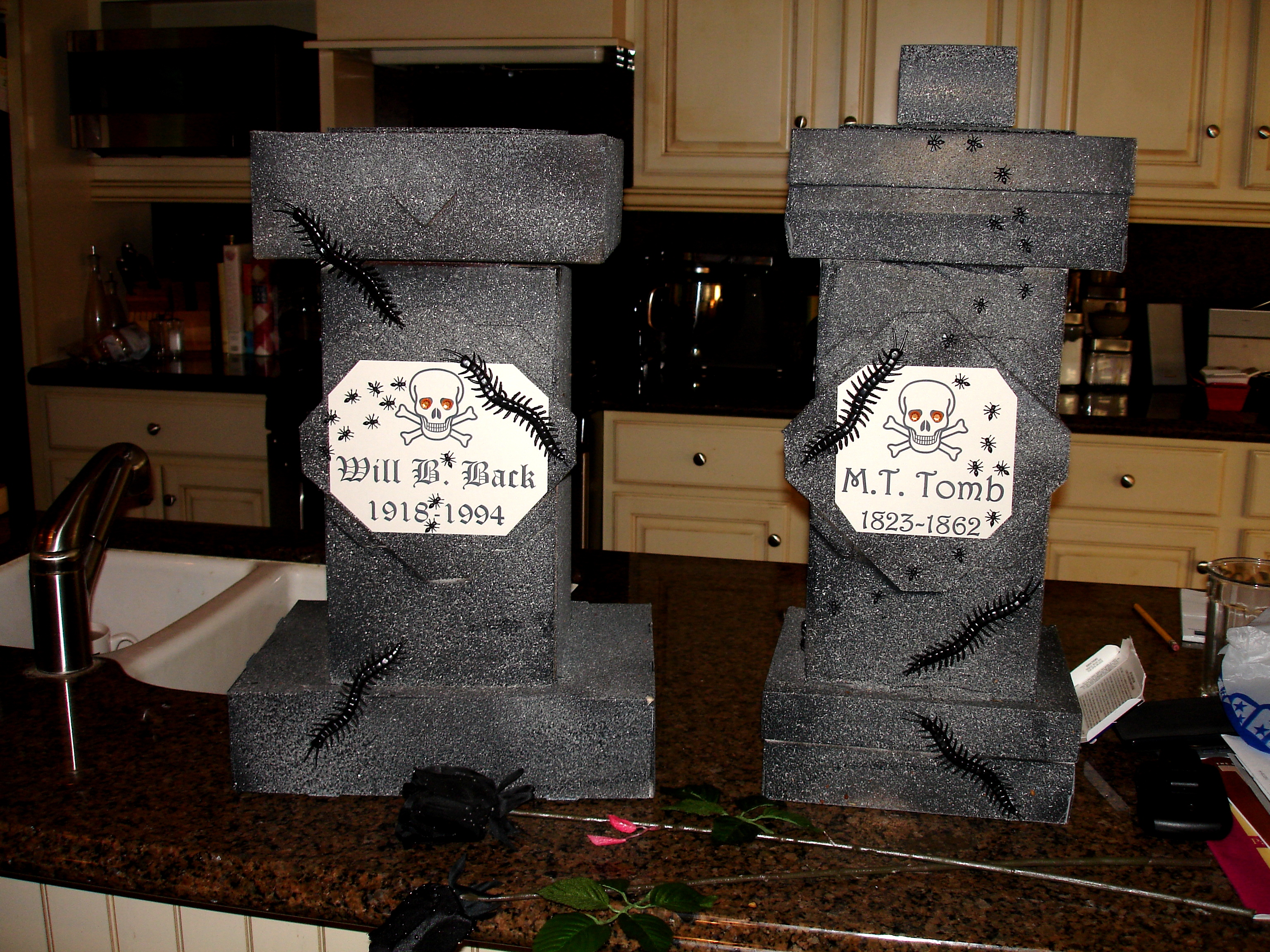 Four Easy Halloween Party Crafts Diy Inspired
