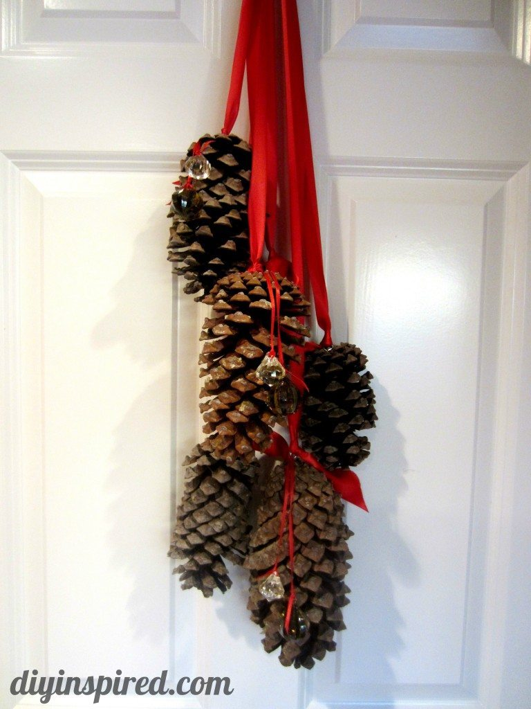 How To Decorate Pine Cones For Christmas