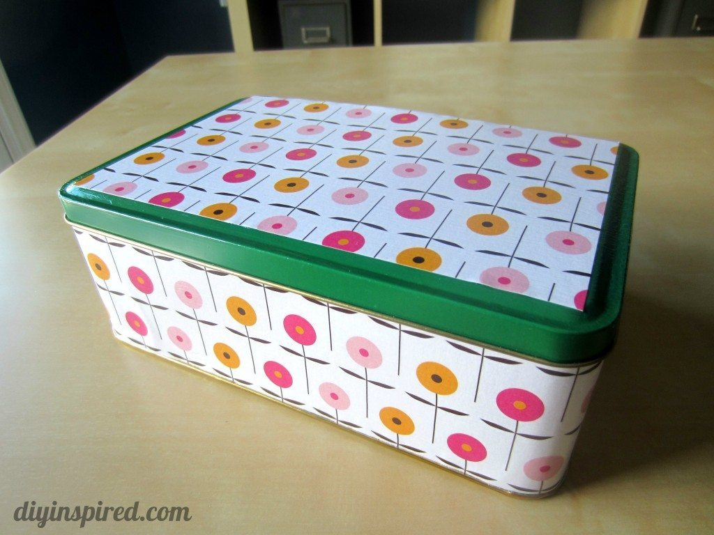Recycled Christmas Cookie Tin (7)