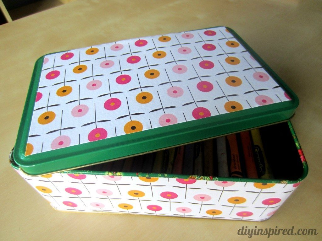 Recycled Christmas Cookie Tin - DIY Inspired