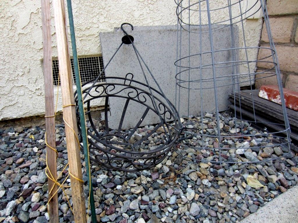 Repurposed-Plant-Hanger-001-1024x768