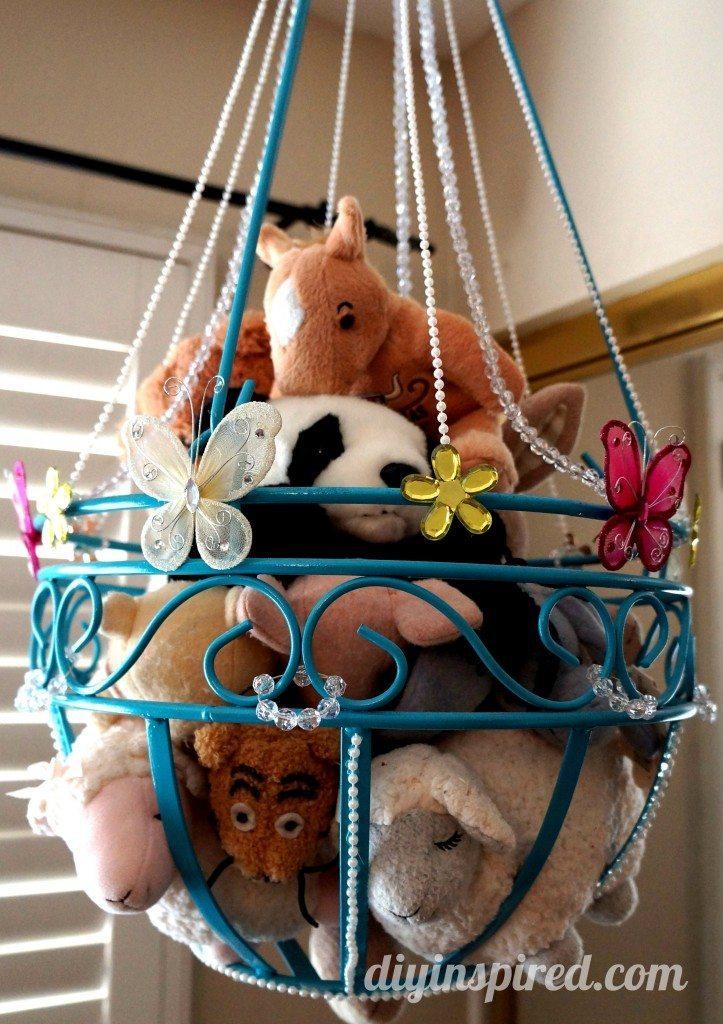 22 kreatywnych pomysłów na przechowywanie zabawek. Zapanuj nad odwiecznym bałaganem
