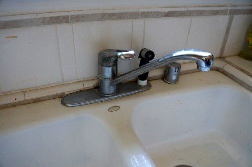 Moen how to install a kitchen faucet diy inspired - How to install a moen bathroom faucet ...