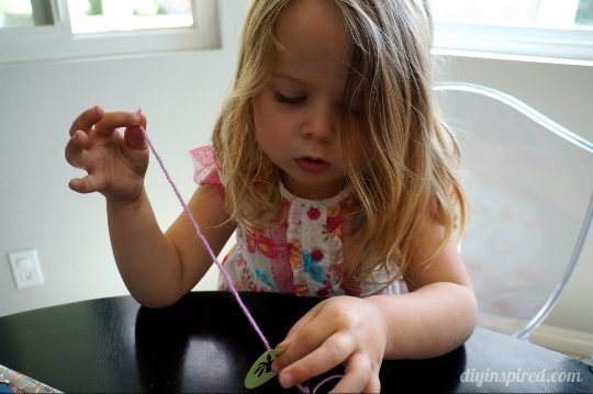 recycled-straw-necklace-craft (5) (540x359)