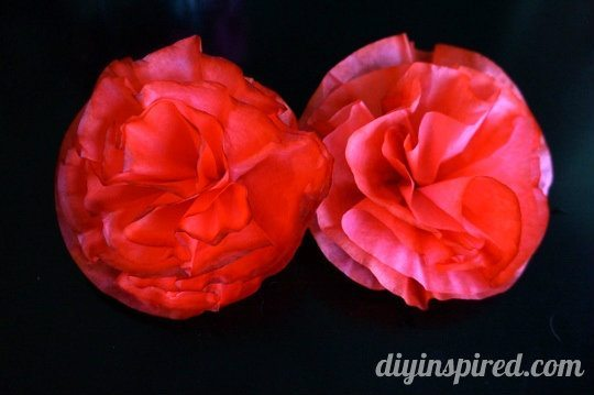 Alice in wonderland theme party red paper flowers diy inspired coffee filter roses 3 540x359 mightylinksfo