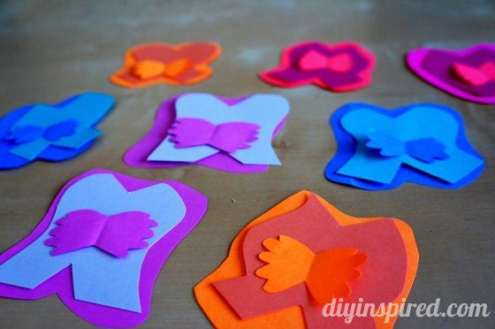 alice-in-wonderland-paper-flowers-with-faces (3) (560x372)