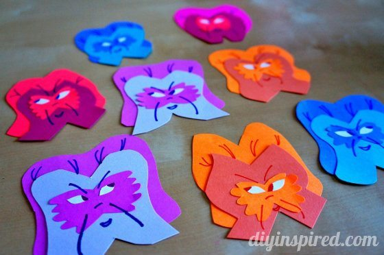 alice-in-wonderland-paper-flowers-with-faces (5) (560x372)
