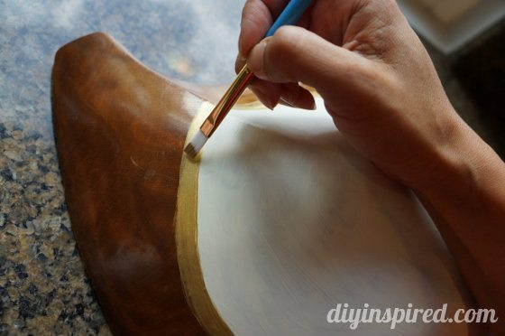 painted-wooden-bowl (560x372)