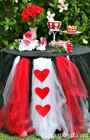 Queen of Hearts Tutu Table from DIY Inspired