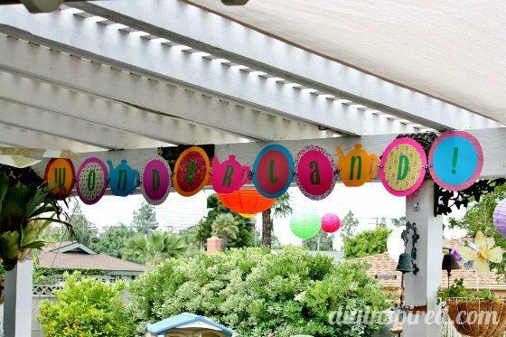 Alice-in-wonderland-first-birthday-party (14)