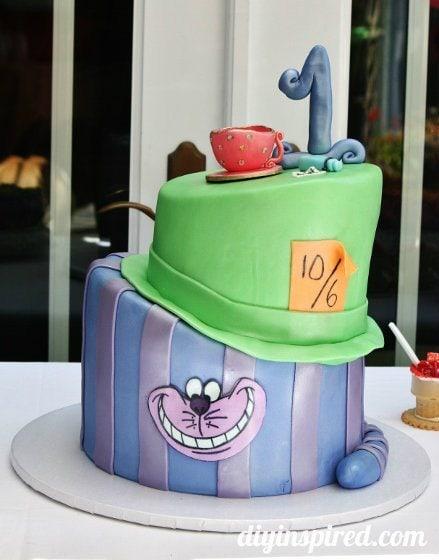 Alice-in-wonderland-first-birthday-party (2)