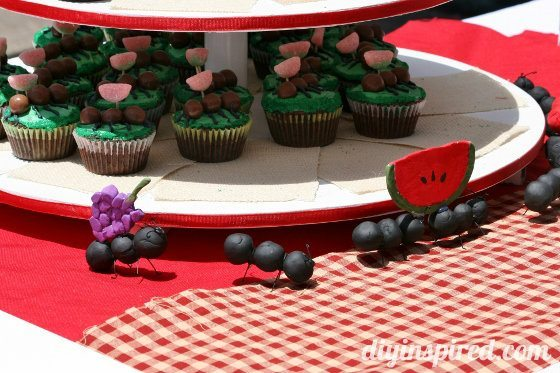 picnic-themed-retirement-party (8) (560x373)