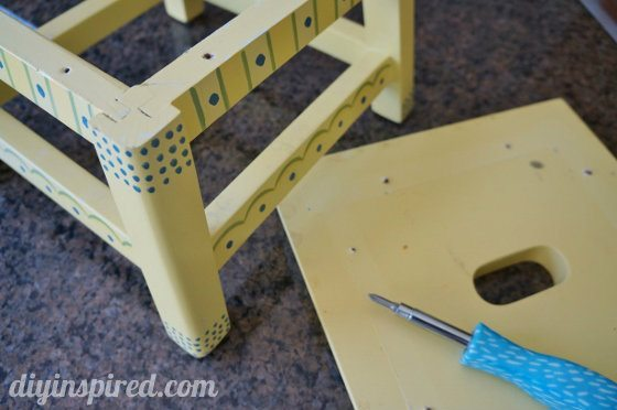 step-stool-makeover (1) (560x372)