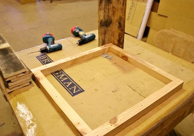 wooden-pallet-table-3