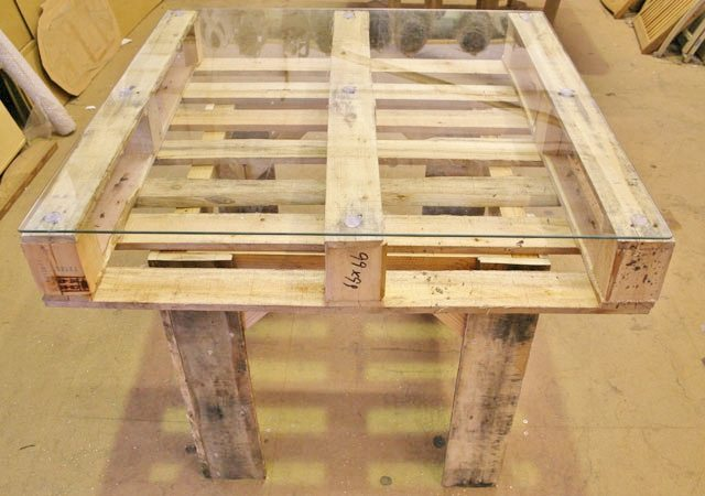 wooden-pallet-table-8