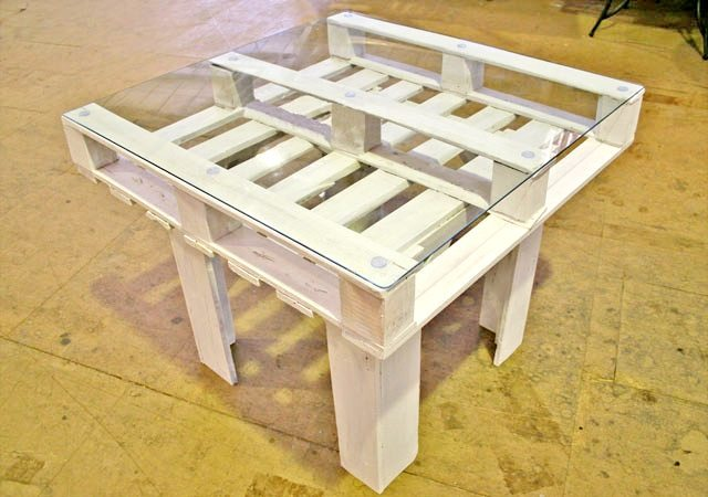Wooden Pallet Table 9