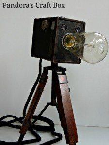 vintage-camera-tripod-lamp (420x560)
