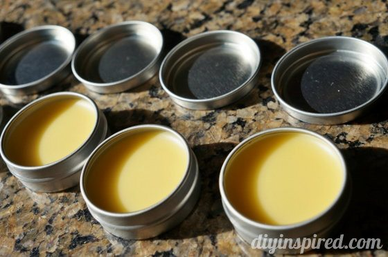 how-to-make-your-own-lip-balm (5)