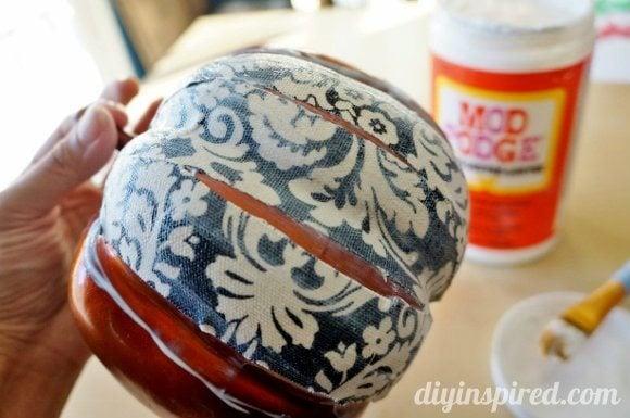 decoupage-fabric-pumpkin (5)