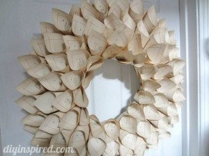 recycled-book-page-wreath-tutorial (3)