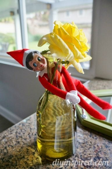 easy-elf-on-a-shelf-ideas (13)