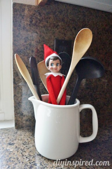 easy-elf-on-a-shelf-ideas (14)