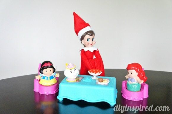 elf-on-a-shelf-ideas (4)