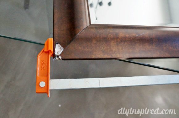 how-to-fix-a-broken-mirror-frame (1)