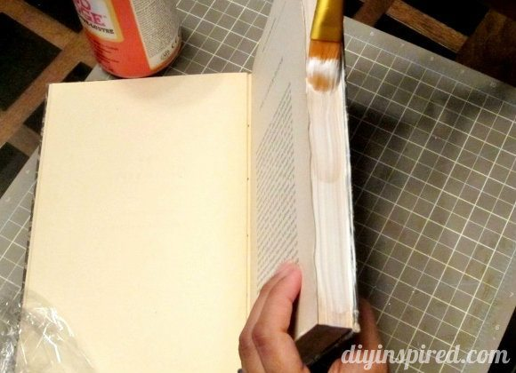 how-to-make-a-secret-book-safe (6)