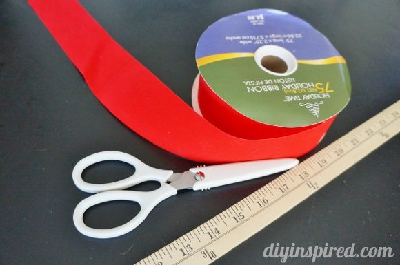 how-to-make-a-bow-from-ribbon (1)