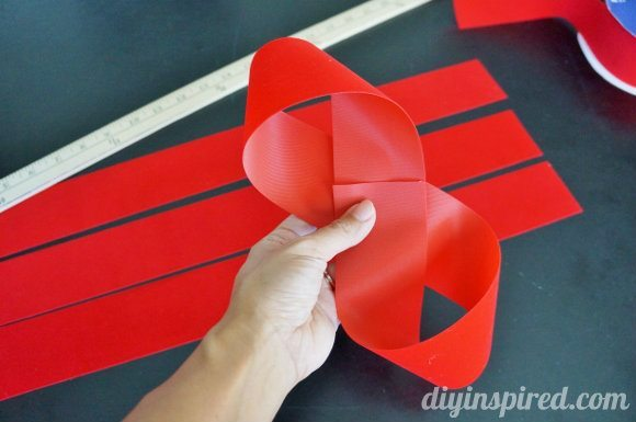 how-to-make-a-bow-from-ribbon (3)