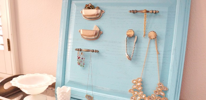 repurposed-jewelry-organizer