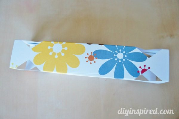 diy-paper-candy-favor-boxes (5)