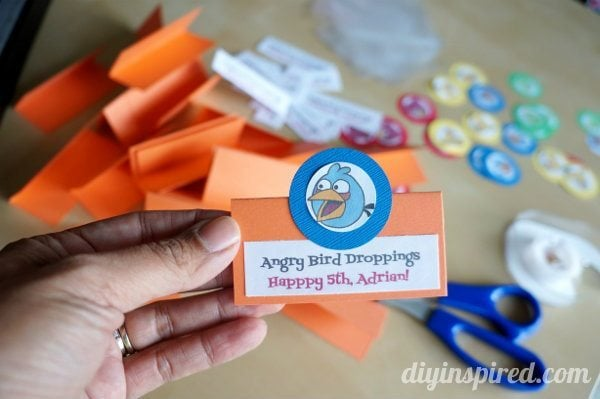 easy-diy-angry-birds-party-favors (1)