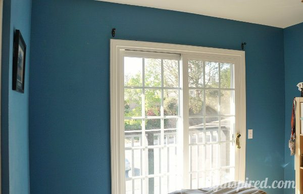 Tips for painting a wall dark to light