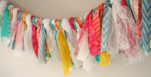 fabric-and-lace-shabby-bunting-3