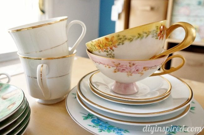 Easy upcycled thrift store tea cups diy inspired vintage tea cups fandeluxe Epub