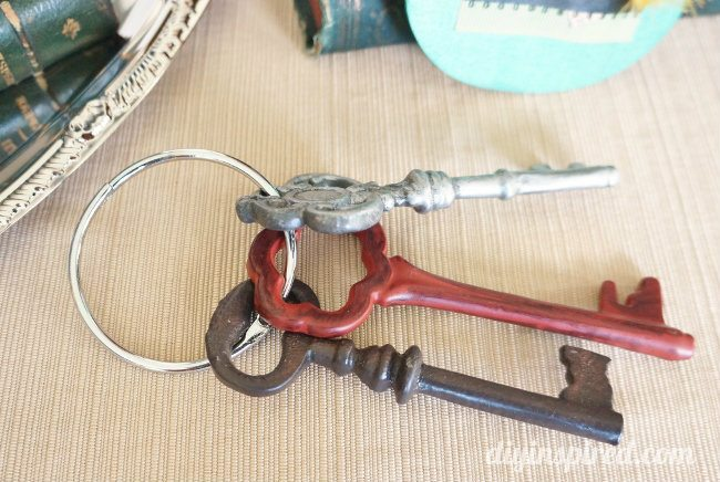 Vintage Keys for Mad Hatter Tea Party (1)