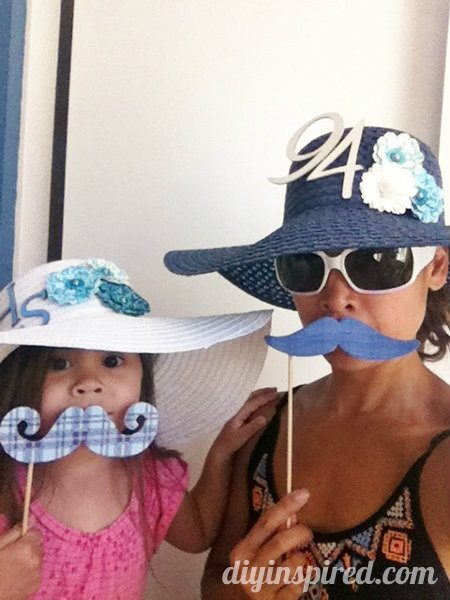 Easy-Dollar-Store-Photo-Booth-Props
