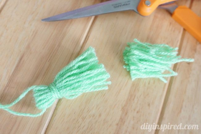 DIY Yarn Tassels (4)