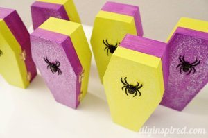 Glittered Coffin Halloween Party Favors (6)