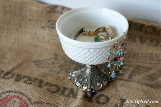 DIY Thirift Store Jewelry Holder