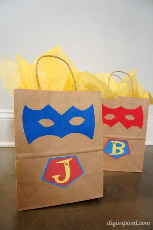 DIY Superhero Gift Bags (1)