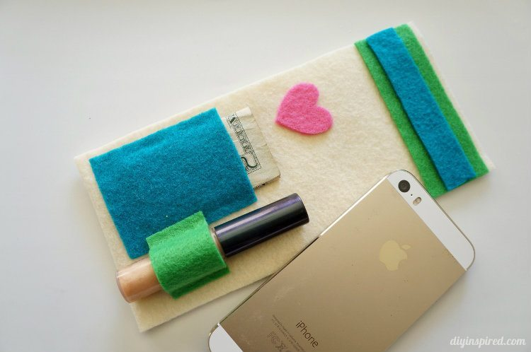 Felt 5 Minute No Sew DIY iPhone Case