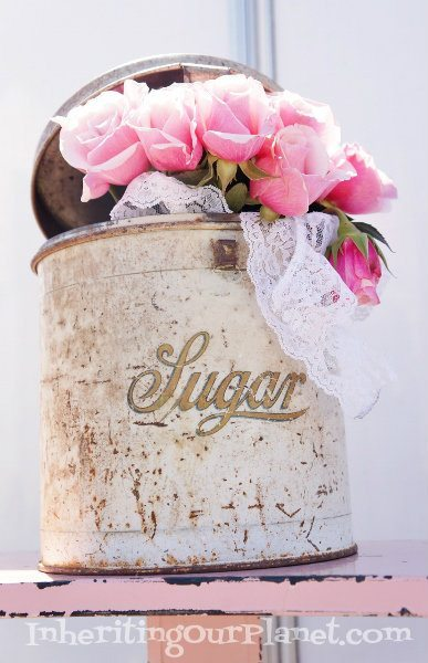 vintage-flea-market-sugar-tin