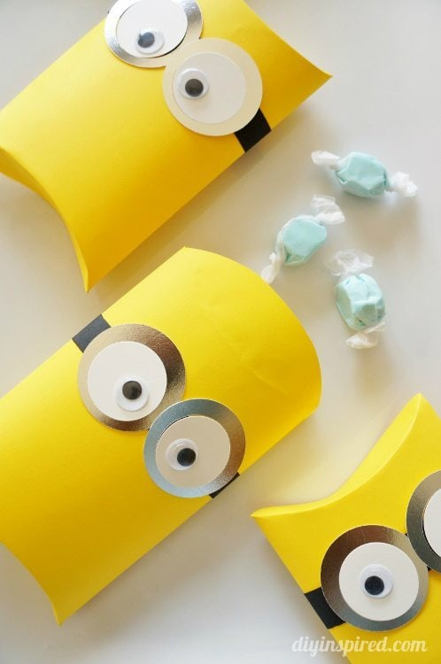 DIY Minion Party Favors
