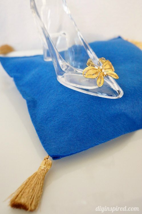 Cinderella Movie Diy Glass Slipper And Pillow Diy Inspired