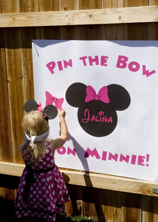 Minnie Mouse Birthday Pin the Bow on Minnie